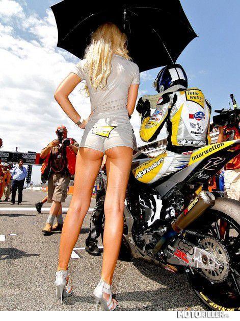 Piękne Dziewczyny I Szybkie Motory