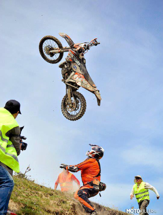 He can fly! – Ktm EXC 250