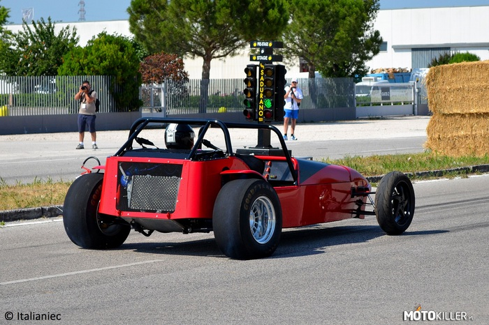 Replika Caterham'a –
