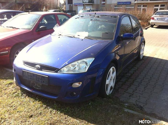 Opuszczony Ford Focus RS –