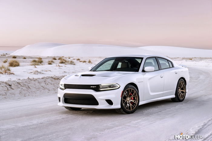 Dodge 2015 Charger SRT –