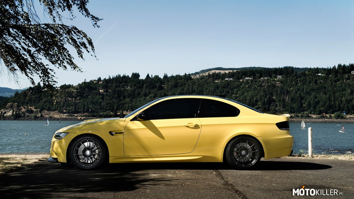 Dakar Yellow BMW M3 E92 –