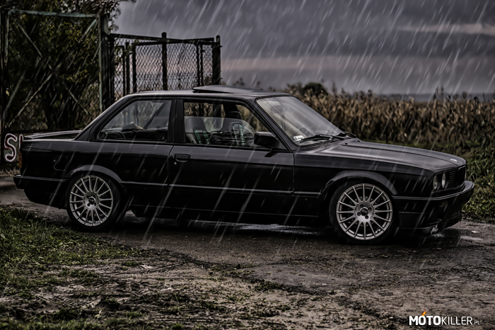 CROW – BMW e30 coupe