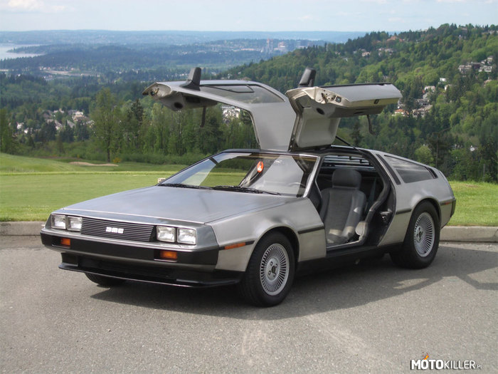 Delorean DMC12 –