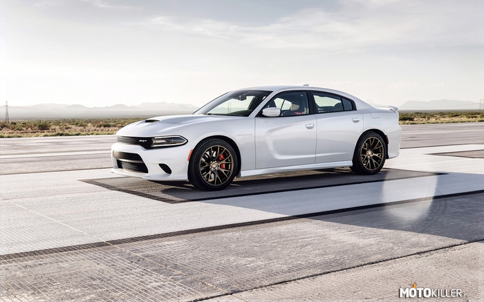 Dodge Charger SRT Hellcat –