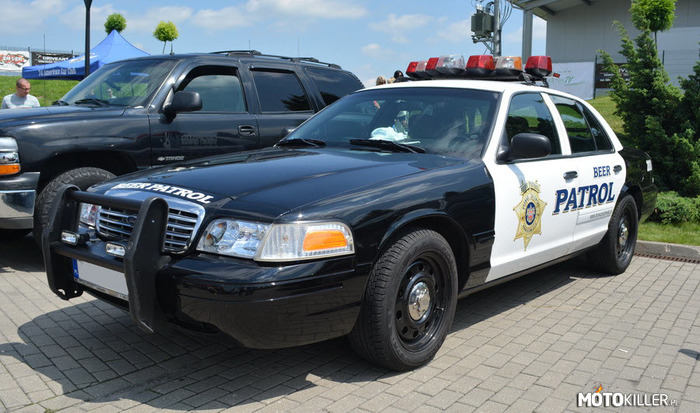 Ford Crown Victoria – Beer Patrol