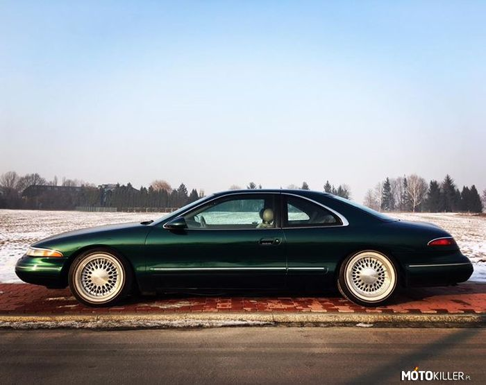 Lincoln Mark VIII Coupe –