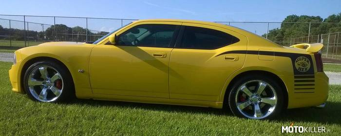 Dodge Charger SRT-8 Super Bee –