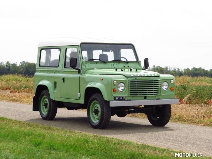 Land Rover Defender 90 –