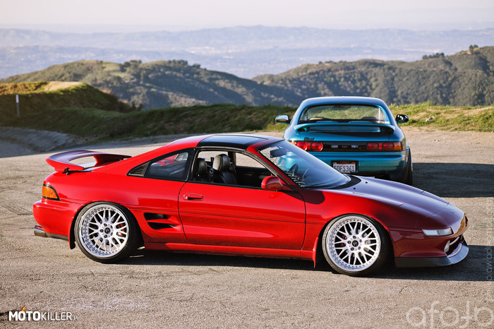 Toyota MR2 –