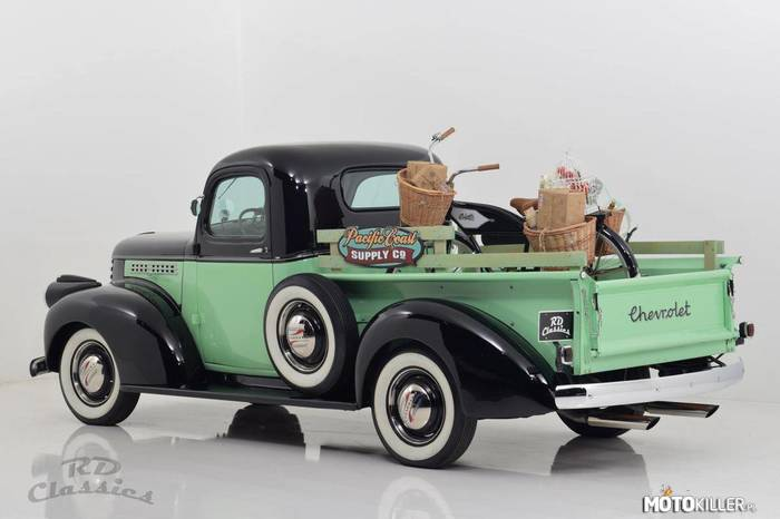 Chevrolet Pick Up Custom Truck –