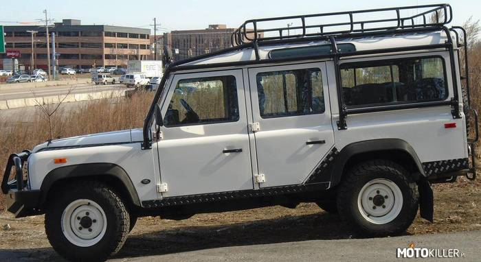 Land Rover Defender 110 –