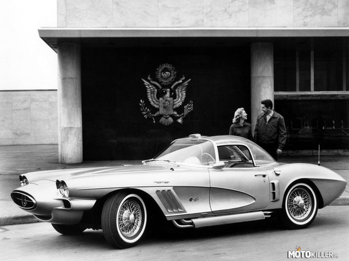 Chevrolet Corvette XP-700 koncept –