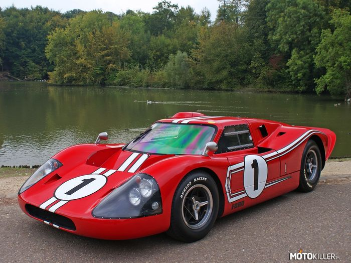 Ford GT40 MkIV –