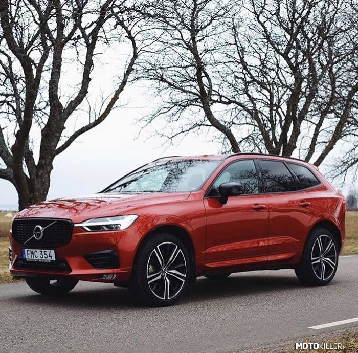 VolvoXC60 R-Design – Fusion Red