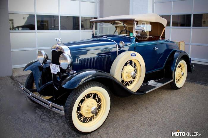 Ford Model A DeLuxe –