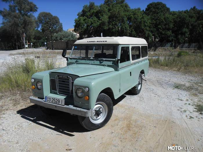 Land Rover 109 Series III –