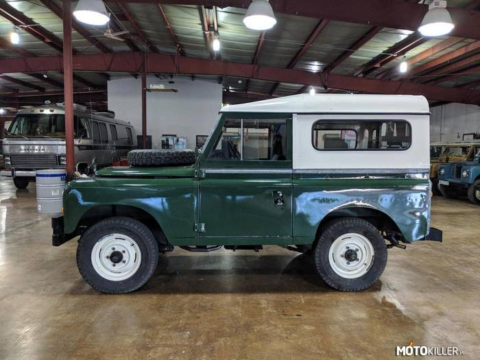 Land Rover 88 Series-III –