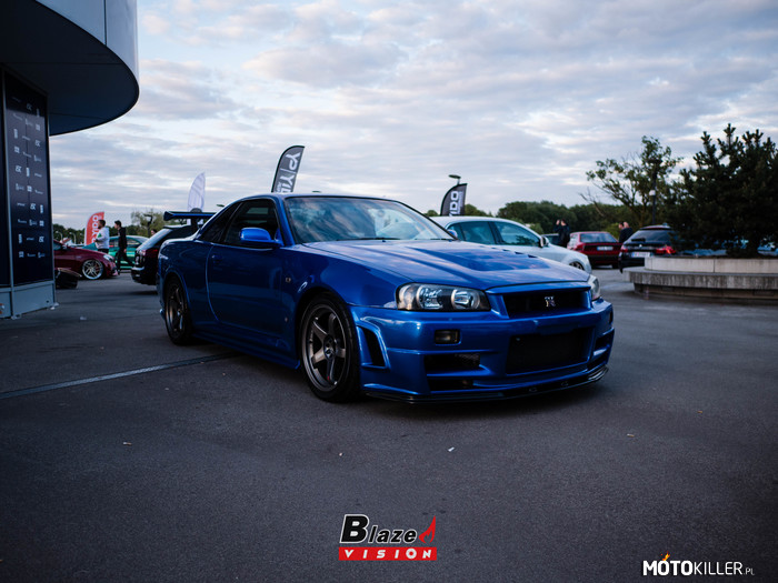Legenda – Nissan Skyline R34 GTR v-spec