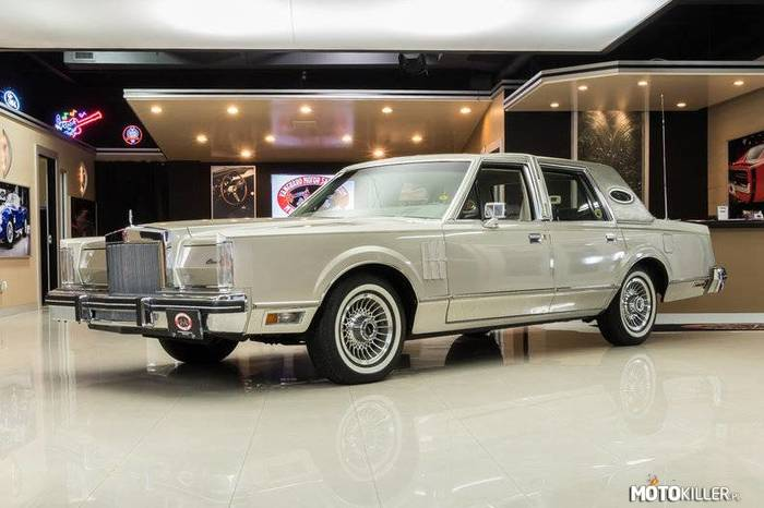 Lincoln Continental Mark VI –