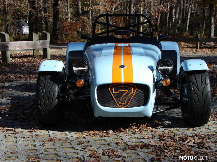 Caterham Super 7 –