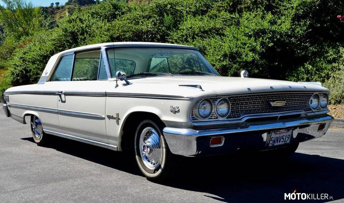 Ford Galaxie 500XL –