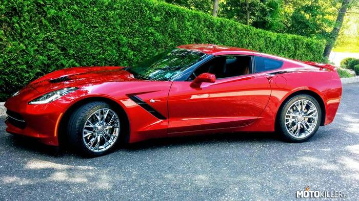 Chevrolet Corvette Stingray –