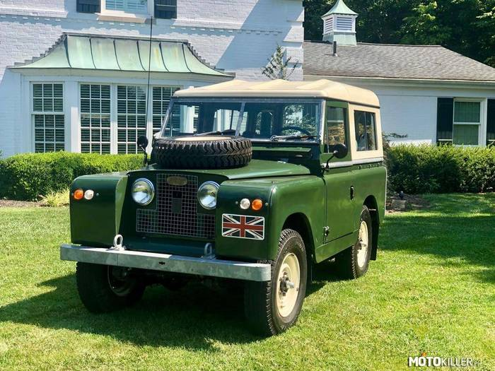 Land Rover Series 2A –
