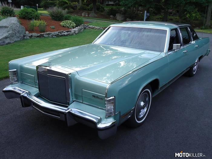 Lincoln Continental Town Car –