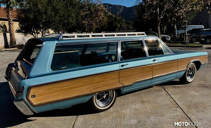 Chrysler Newport Town & Country –