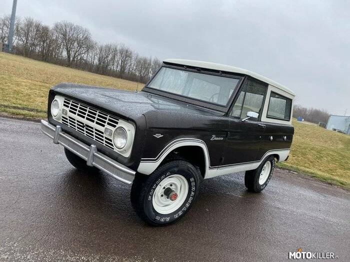 Ford Bronco –